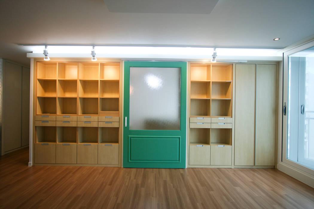 Bureau de style  par 홍예디자인, Moderne