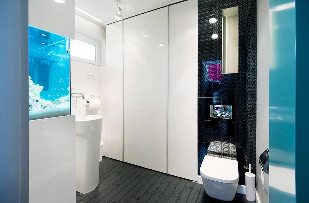 Baños de estilo moderno de conceptjoana Moderno