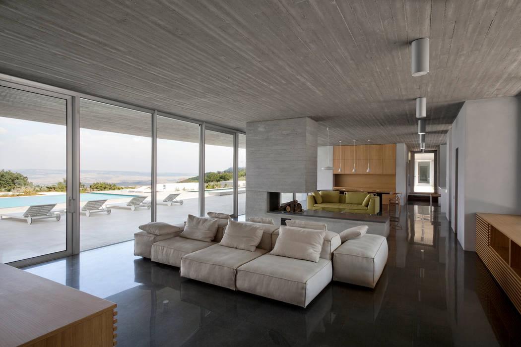 RESIDENZA PRIVATA Osa Architettura e Paesaggio Soggiorno in stile mediterraneo
