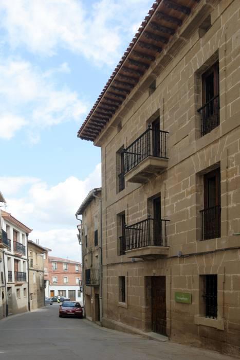 Casas de estilo clásico por Ignacio Quemada Arquitectos