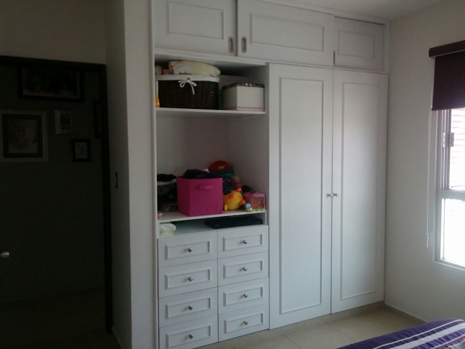 Kinderzimmer von Constructora e Inmobiliaria Catarsis, Minimalistisch Holz Holznachbildung