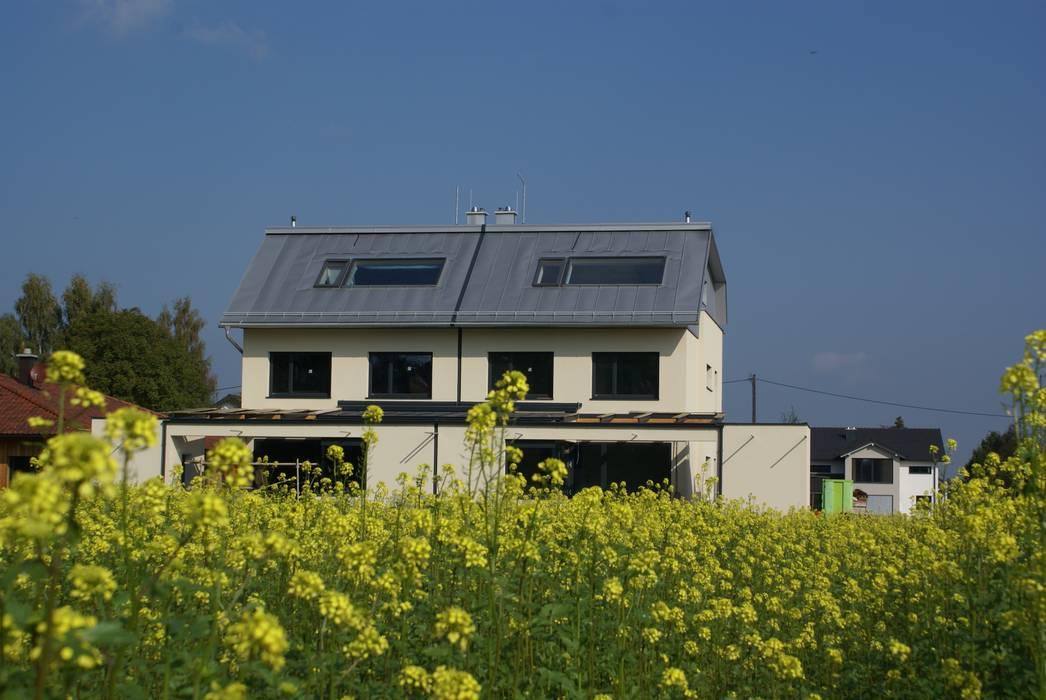 Casas estilo moderno: ideas, arquitectura e imágenes de Glanzer ZT GmbH Moderno