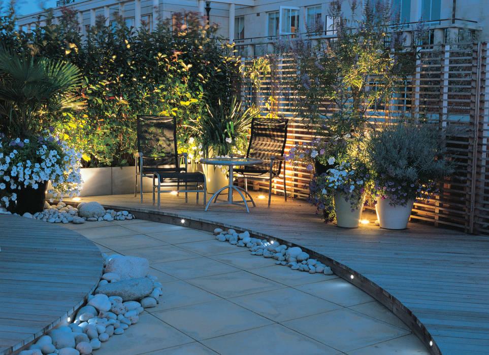 A Roof Garden, Chelsea Modern balcony, veranda & terrace by Bowles & Wyer Modern