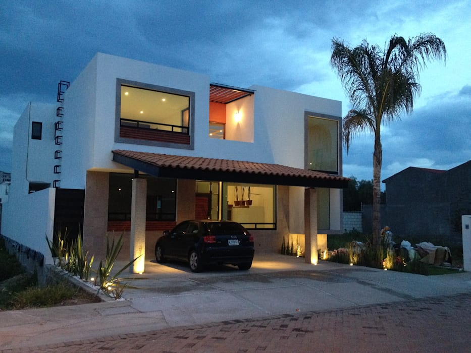 Cochera: Garajes de estilo moderno por Ambás Arquitectos