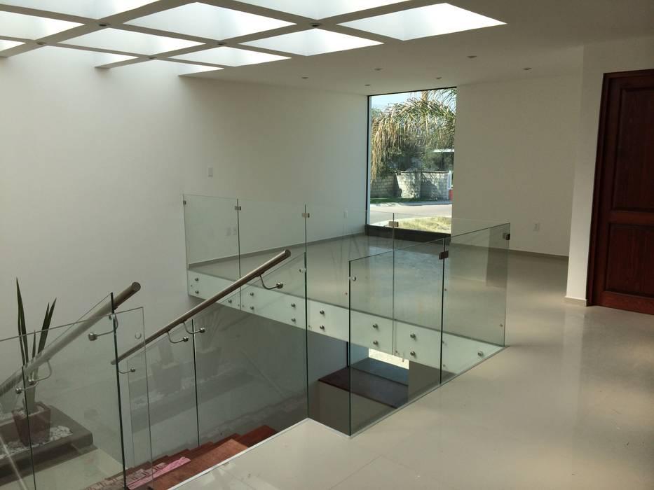 Estudio: Estudios y oficinas de estilo  por Ambás Arquitectos, Moderno