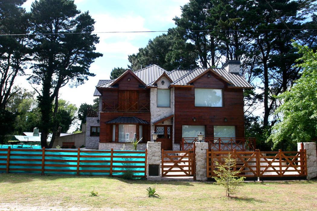 Rumah Gaya Rustic Oleh Susana De Angeli Rustic Kayu Wood effect
