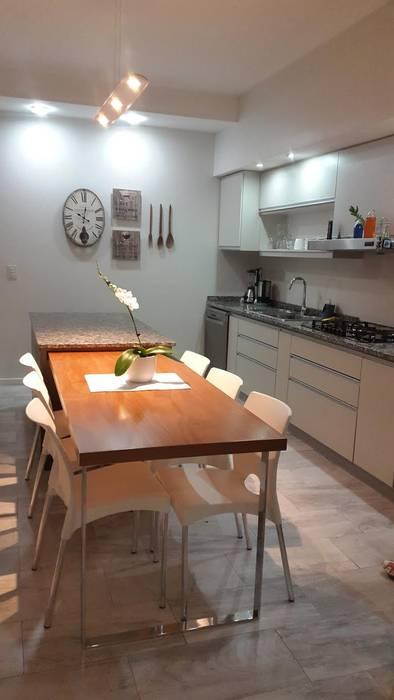 Reforma de Comedor Moderne Küchen von CASA LEIRO Modern