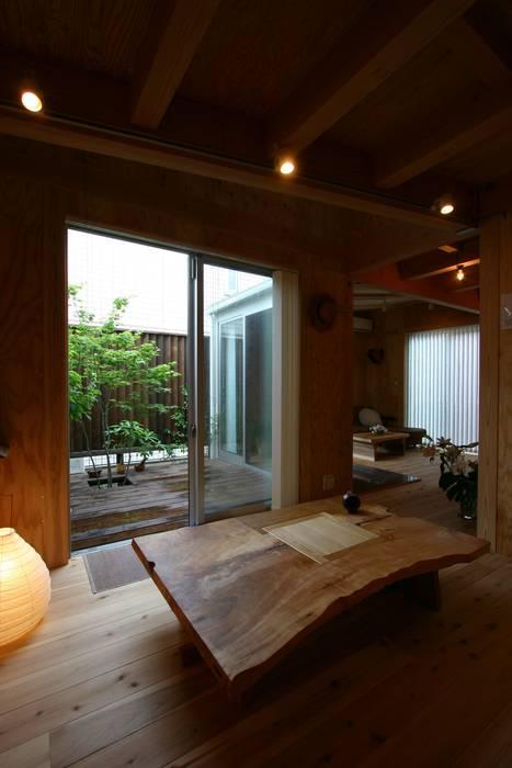 木造スケルトン+DIYでつくるこだわり空間の集合体 カントリーデザインの ダイニング の アトリエグローカル一級建築士事務所 カントリー