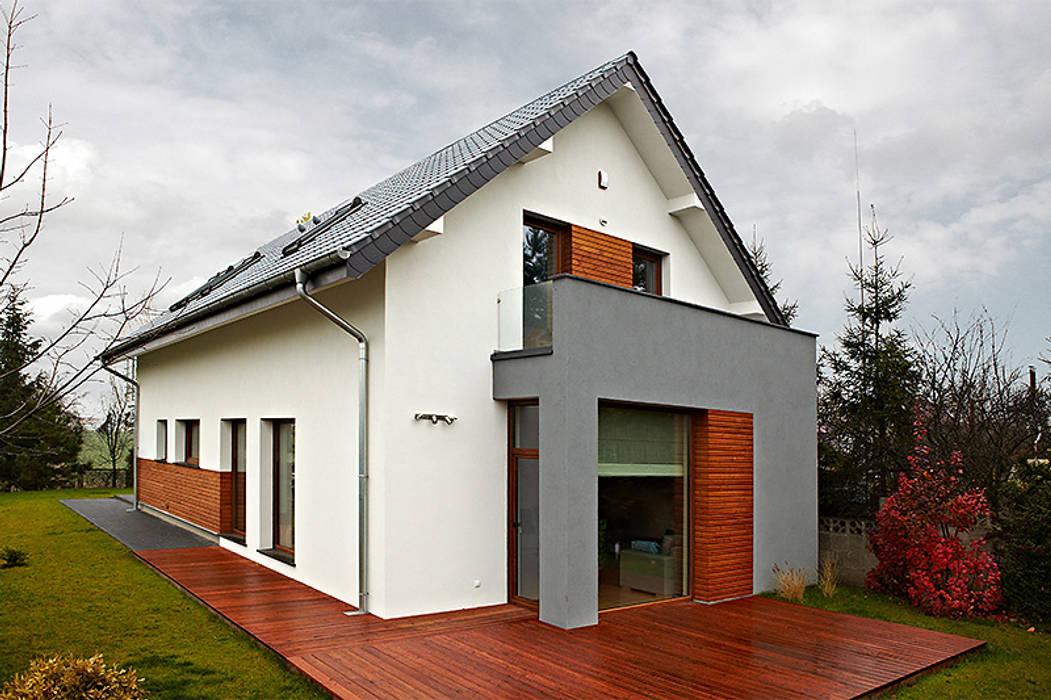 Realizacja projektu Amelia Nowoczesne domy od Biuro Projektów MTM Styl - domywstylu.pl Nowoczesny
