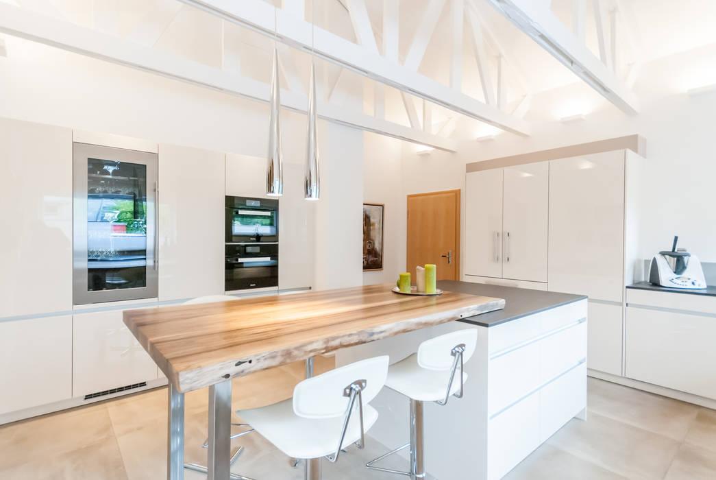 Renovierung eines Einfamilienhauses:  Küche von INNEN LEBEN
