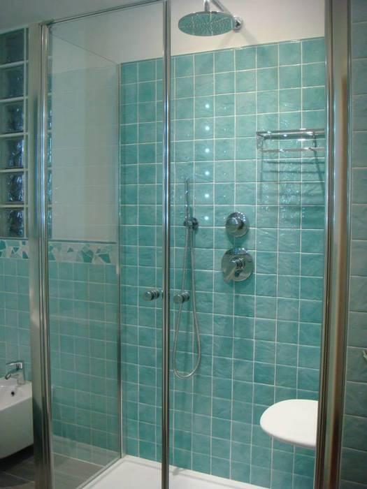Abitazione privata - Bologna : Bagno in stile in stile Moderno di Benuzzi srl