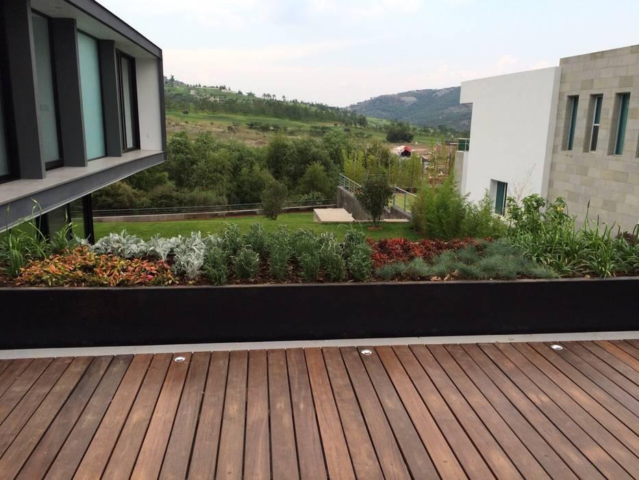 Modern balcony, veranda & terrace by STAHLBETON DESIGN Modern