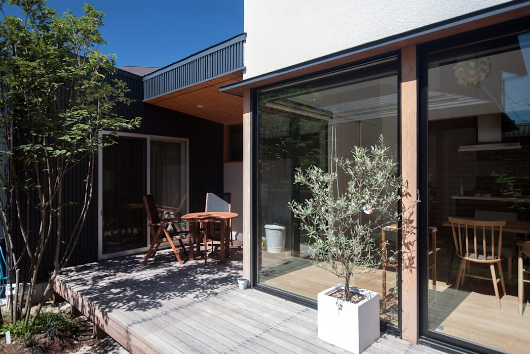 Balcon, Veranda & Terrasse modernes par 株式会社ブレッツァ・アーキテクツ Moderne