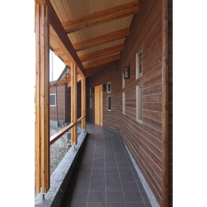 Y-SALON ラスティックスタイルの 玄関&廊下&階段 の 関建築設計室 / SEKI ARCHITECTURE & DESIGN ROOM ラスティック
