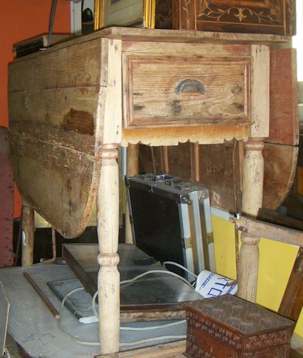 Mesa de abas por Restauro em Sintra