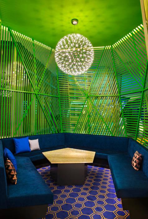 Módulos VIP Salones modernos de diesco Moderno Compuestos de madera y plástico