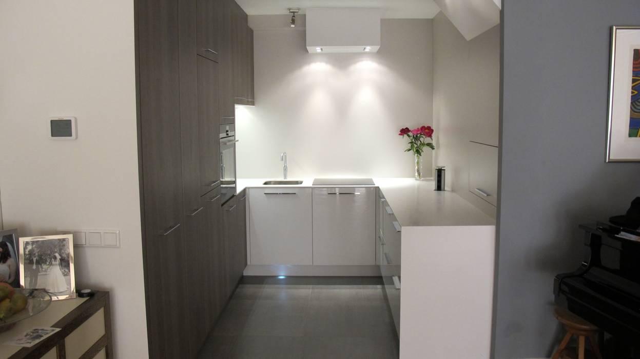 Hoogglans Grijs Keuken : Keuken hoogglans wit icm notenhout grijs keuken door rubens