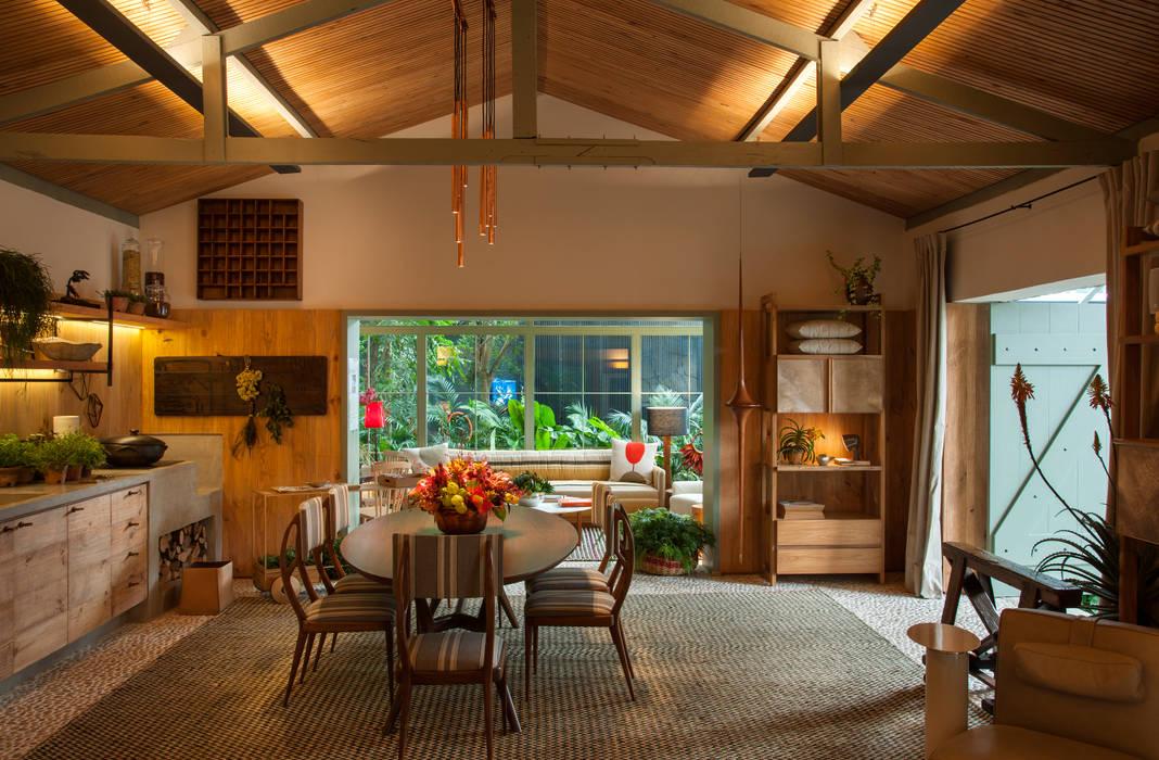 Livings de estilo tropical de Marina Linhares Decoração de Interiores Tropical