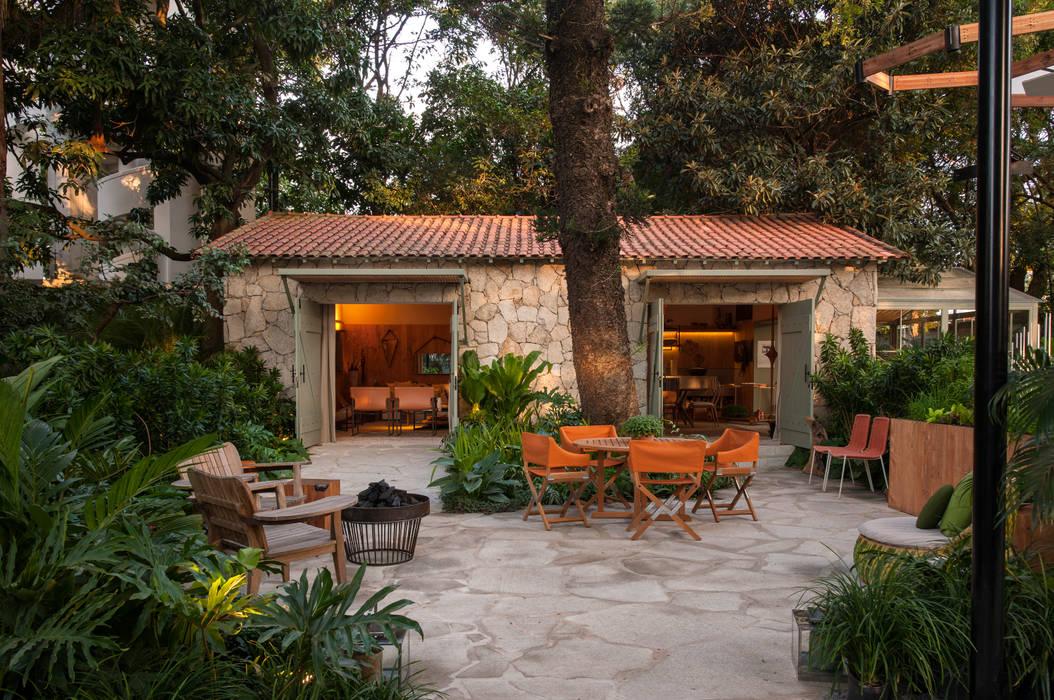 Jardines de estilo  por Marina Linhares Decoração de Interiores