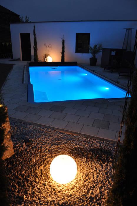 Pool mit eck-einstiegstreppe und led rgb poolbeleuchtung ...