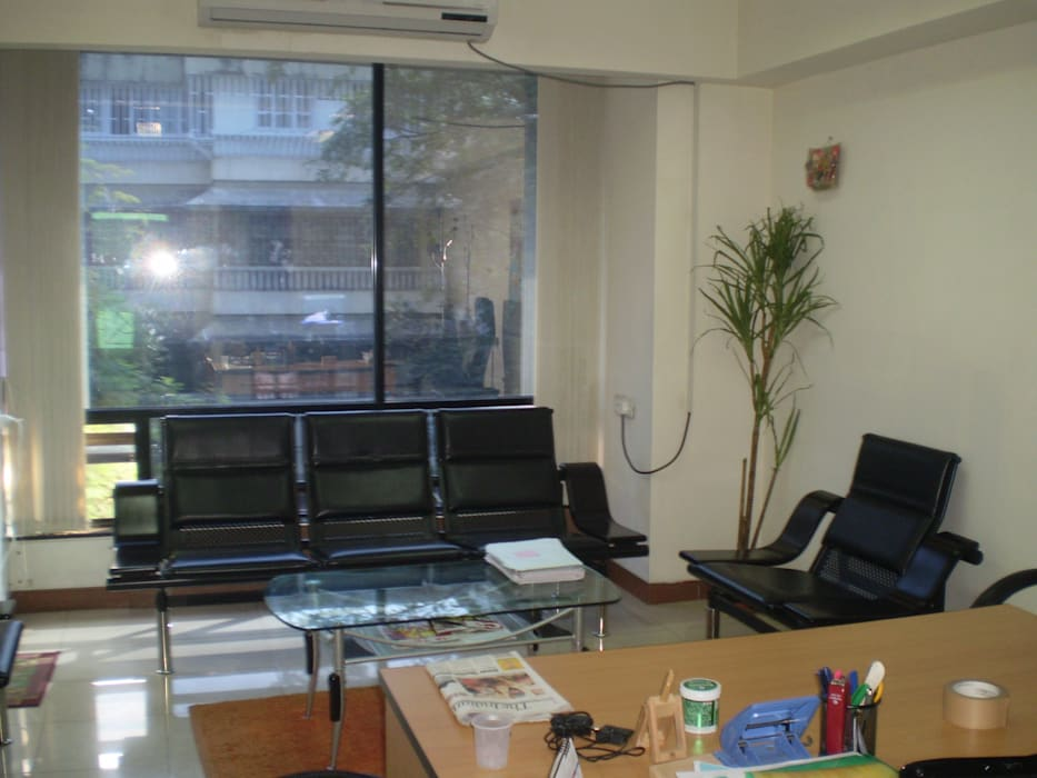 Private office of a Japanese client, Pune :  Offices & stores by Global Associiates,