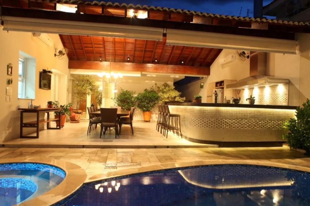 Residência Urbana Varandas, alpendres e terraços modernos por AB Arquitetura Moderno