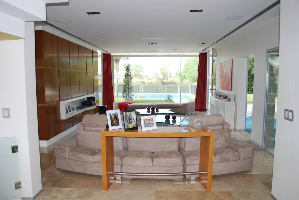 by cm espacio & arquitectura srl Modern