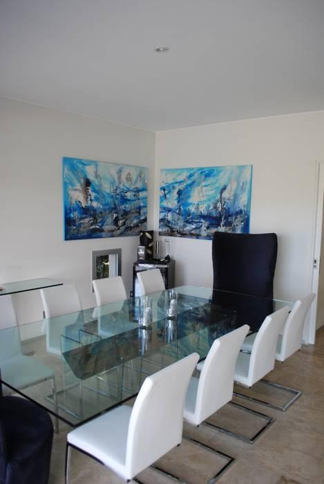 Modern dining room by cm espacio & arquitectura srl Modern