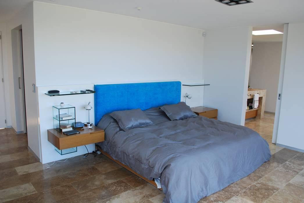 Modern style bedroom by cm espacio & arquitectura srl Modern