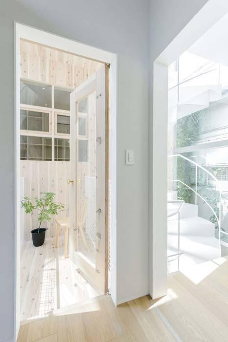 Modern style bedroom by ディンプル建築設計事務所 Modern Sandstone