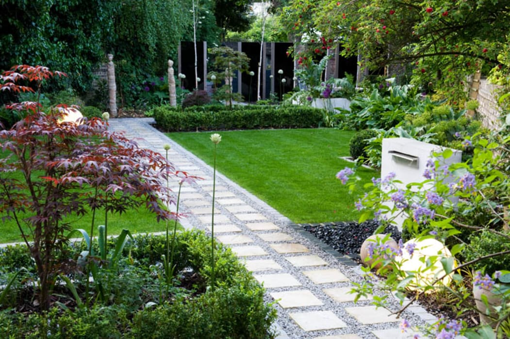 Japanese style planting Modern garden by Earth Designs Modern
