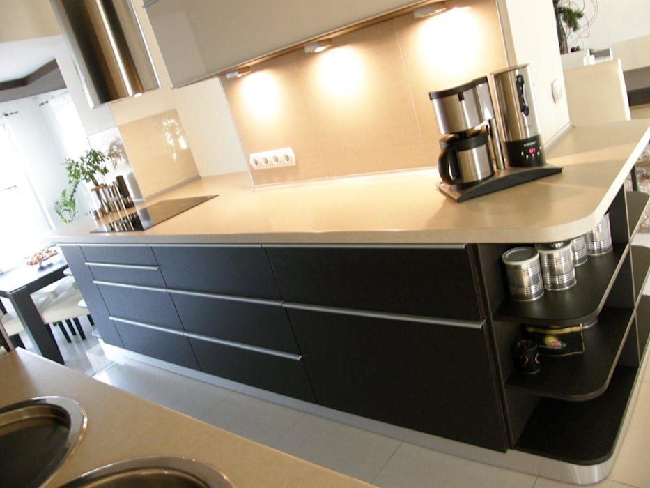 Modern kitchen by Architekt Adam Wawoczny Modern