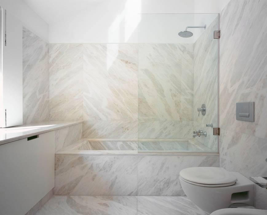 HDM House SAMF Arquitectos Bagno moderno Marmo