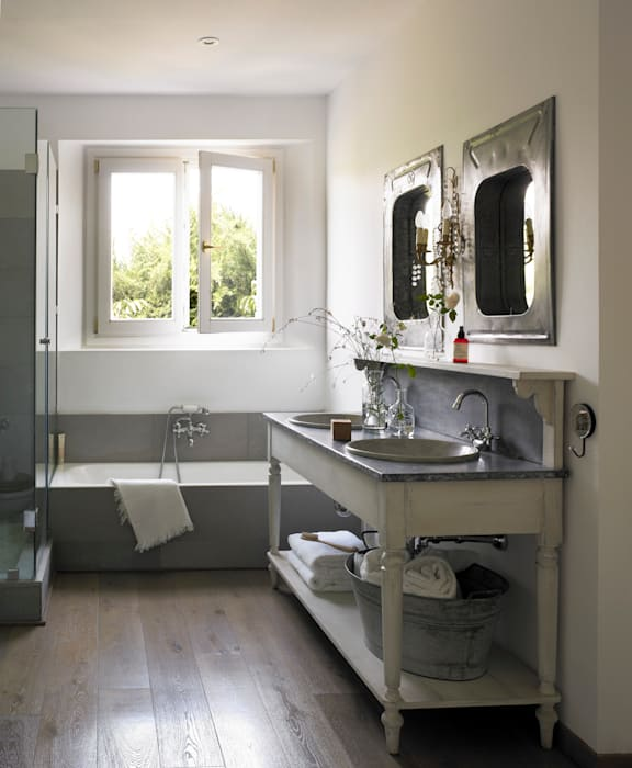 Bathroom by Melian Randolph, Modern