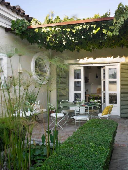 Jardin moderne par Melian Randolph Moderne
