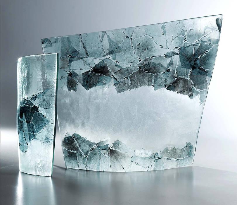 Sculptural Curves: minimalist  by Michelle Keeling Glass, Minimalist