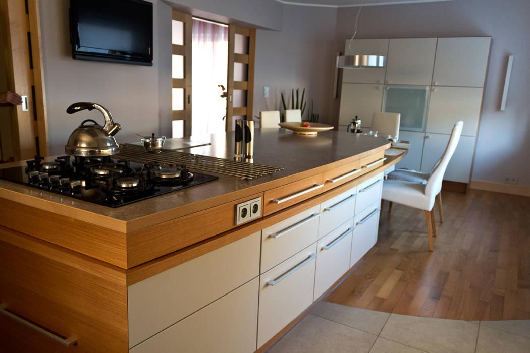 Dom w Gdyni: styl , w kategorii Kuchnia zaprojektowany przez Grafick sp. z o. o.