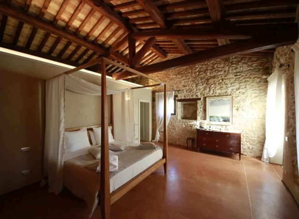 Rustic style bedroom by Studio Feiffer & Raimondi Rustic