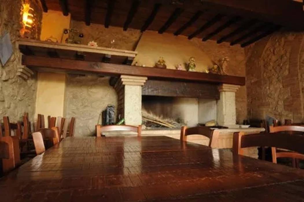 Cocinas de estilo rústico de Architetto Ghirga Massimo Rústico
