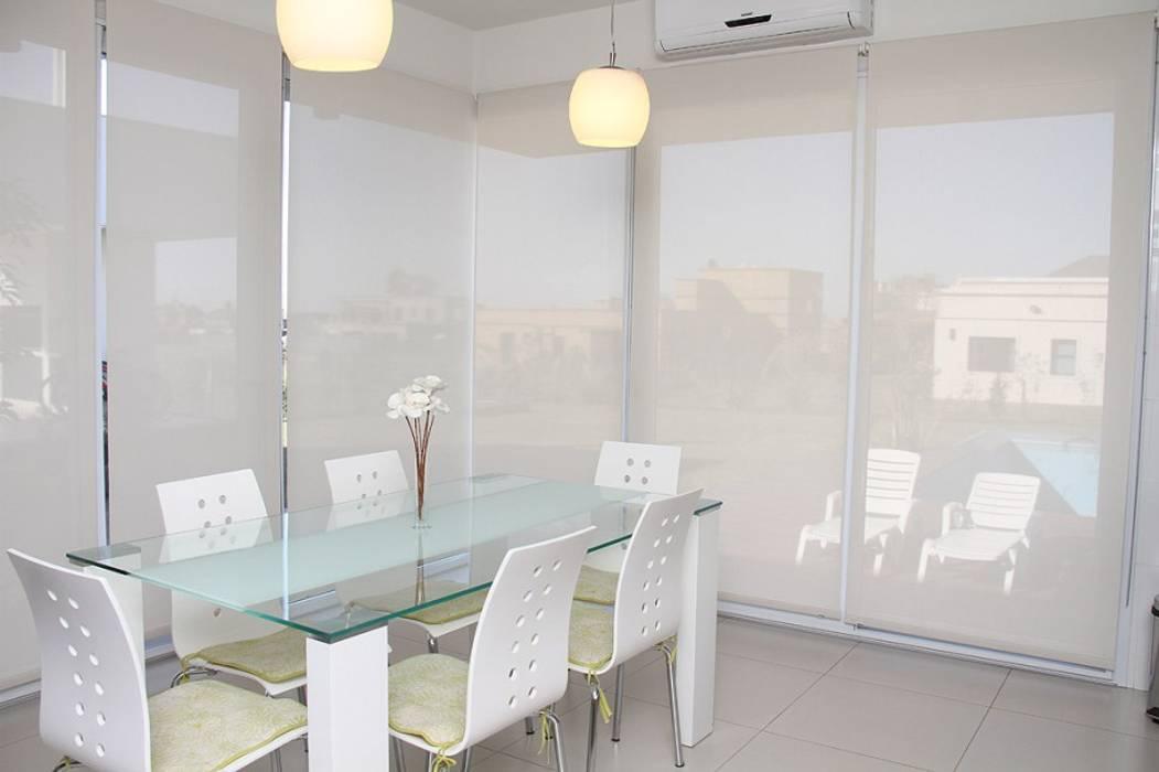 De líneas puras - Casa N Los Olivos Casas modernas: Ideas, imágenes y decoración de CB Design Moderno