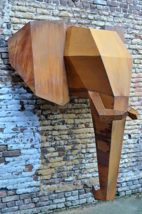 Elephant:  Huizen door Fabian von Spreckelsen, Industrieel IJzer / Staal