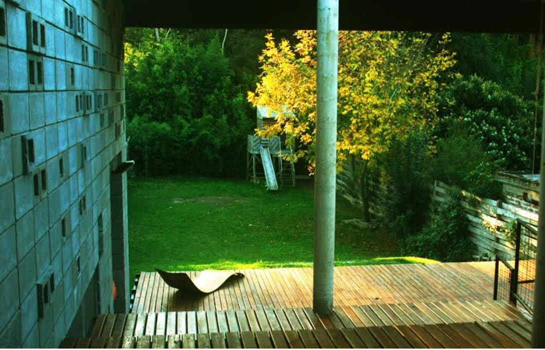 Casa Am 518:  de estilo  por Rr+a  bureau de arquitectos - La Plata,
