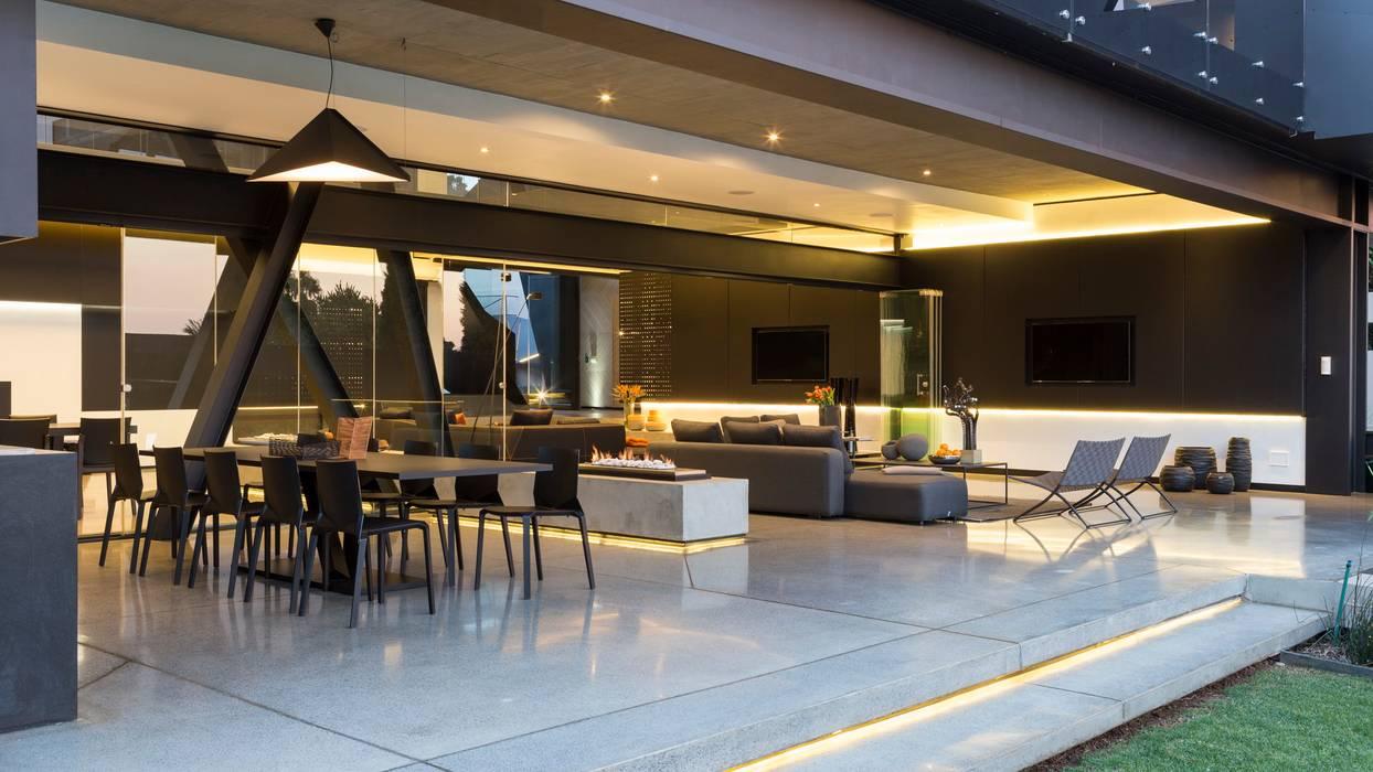 Tерраса в . Автор – Nico Van Der Meulen Architects , Модерн