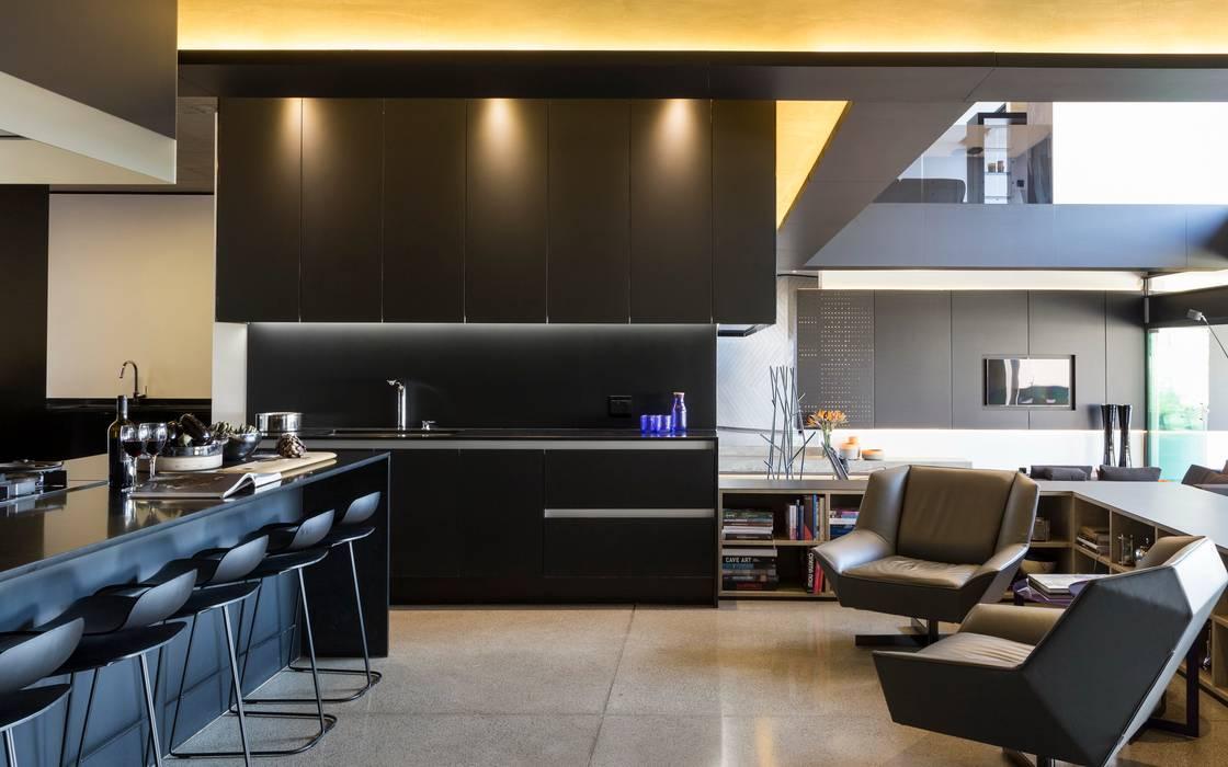 Кухни в . Автор – Nico Van Der Meulen Architects , Модерн