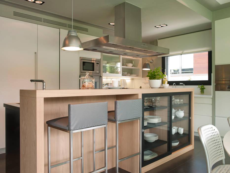 Cozinhas  por DEULONDER arquitectura domestica , Moderno Madeira Efeito de madeira
