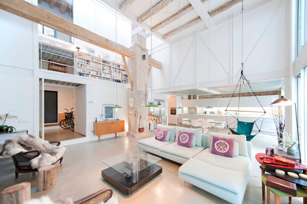 lluiscorbellajordi 现代客厅設計點子、靈感 & 圖片
