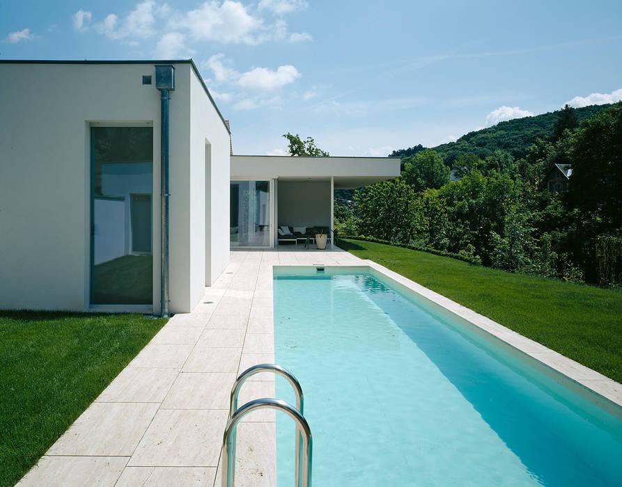 SILVERGIRL Moderne Pools von DREER2 Modern