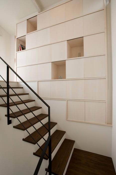 アトリエdoor一級建築士事務所 現代房屋設計點子、靈感 & 圖片 木頭 White