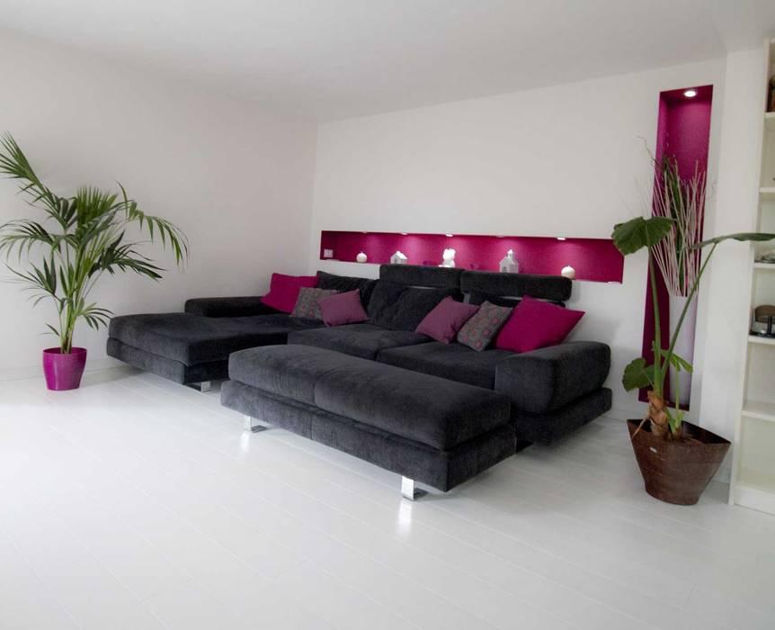 现代客厅設計點子、靈感 & 圖片 根據 Studio HAUS 現代風