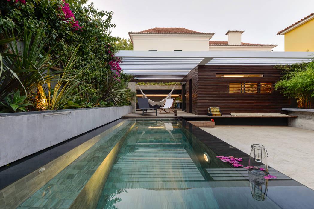 by Ricardo Moreno Arquitectos Modern